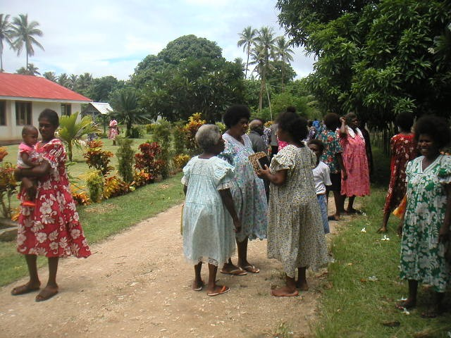 Messe à l'église de Paunangisu